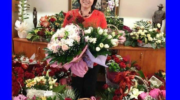 Не е истина: Вижте кои жени в политиката получиха цветя днес